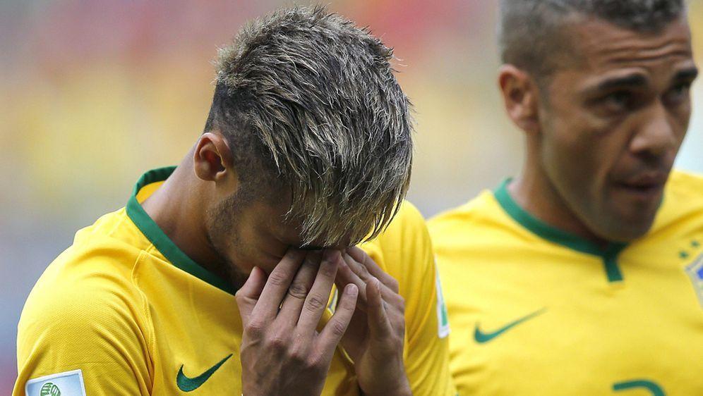 Wm 2014 Star Neymar Weint Vor Brasilien Spiel Heulkrampf Wahrend