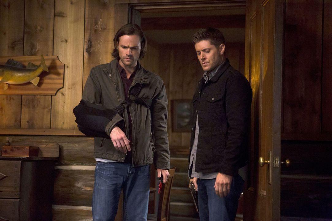 Werden Sam (Jared Padalecki, l.) und Dean (Jensen Ackles, r.) wirklich die Schwester einer alten Bekannten töten? - Bildquelle: 2016 Warner Brothers