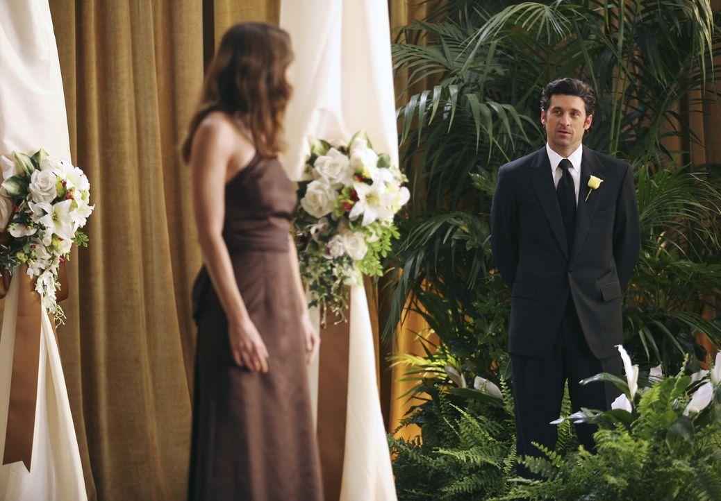 Derek (Patrick Dempsey, r.) ahnt, dass Meredith (Ellen Pompeo, l.) keine gute Nachricht hat ... - Bildquelle: Karen Neal Touchstone Television