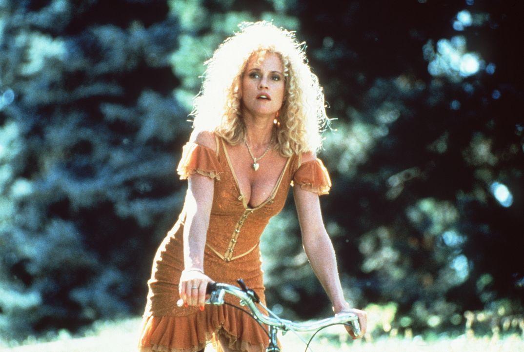 In der Kleinstadt möchte V (Melanie Griffith) ein neues Leben beginnen, doch ihr Zuhälter macht ihr ernsthafte Schwierigkeiten ... - Bildquelle: Paramount Pictures