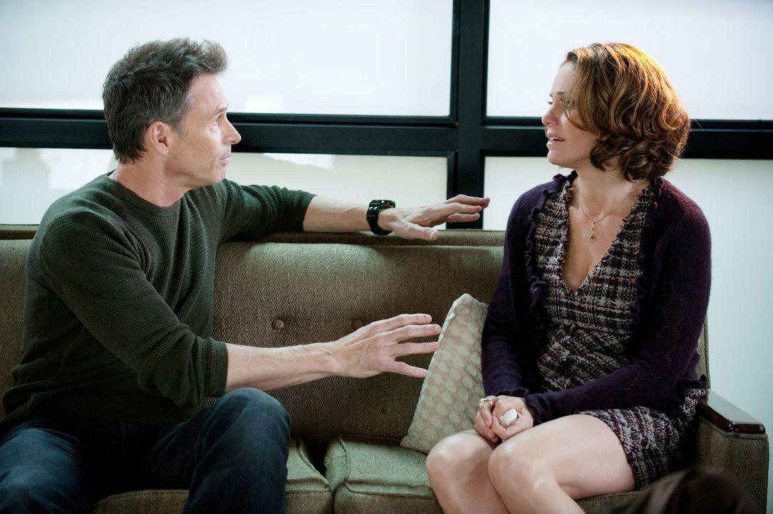 Charlotte und Cooper haben Schwierigkeiten mit Mason zu sprechen, während Pete (Tim Daly, l.) und Violet (Amy Brenneman, r.) ihre Beziehung retten... - Bildquelle: ABC Studios