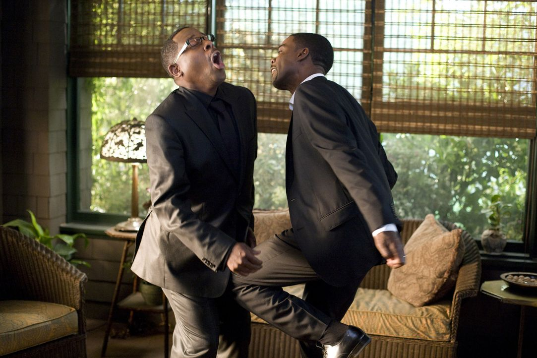 Sind schon seit ewigen Zeiten aufeinander eifersüchtig: die beiden Brüder Aaron (Chris Rock, r.) und Ryan (Martin Lawrence, l.). Als sie ihren Vat... - Bildquelle: 2010 Screen Gems, Inc. All Rights Reserved.