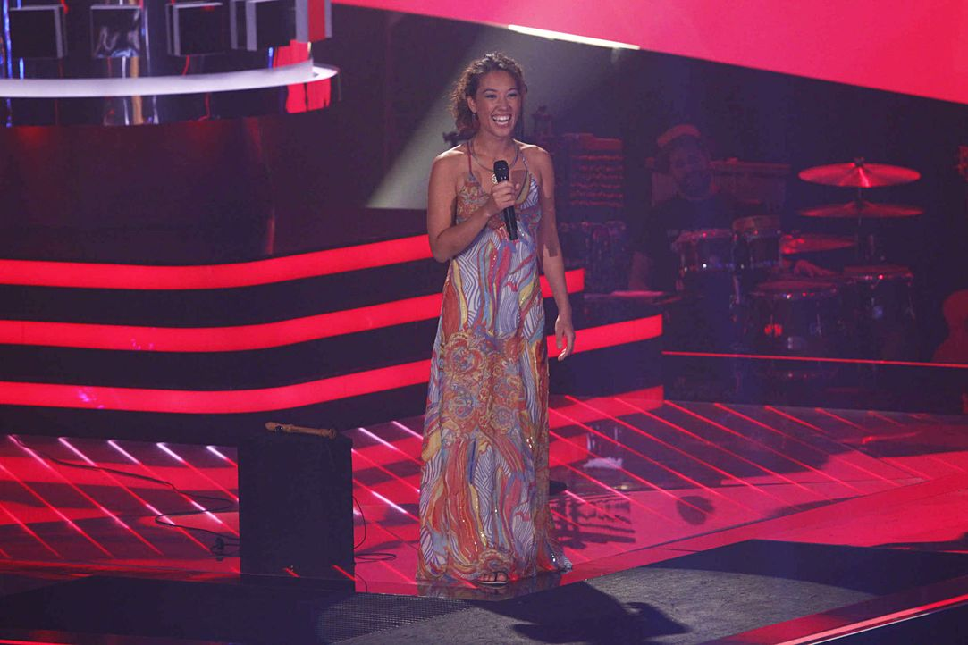 christin-03-the-voice-of-germany-staffel-2-epi01-showjpg 2000 x 1333 - Bildquelle: SAT.1/ProSieben/Richard Hübner