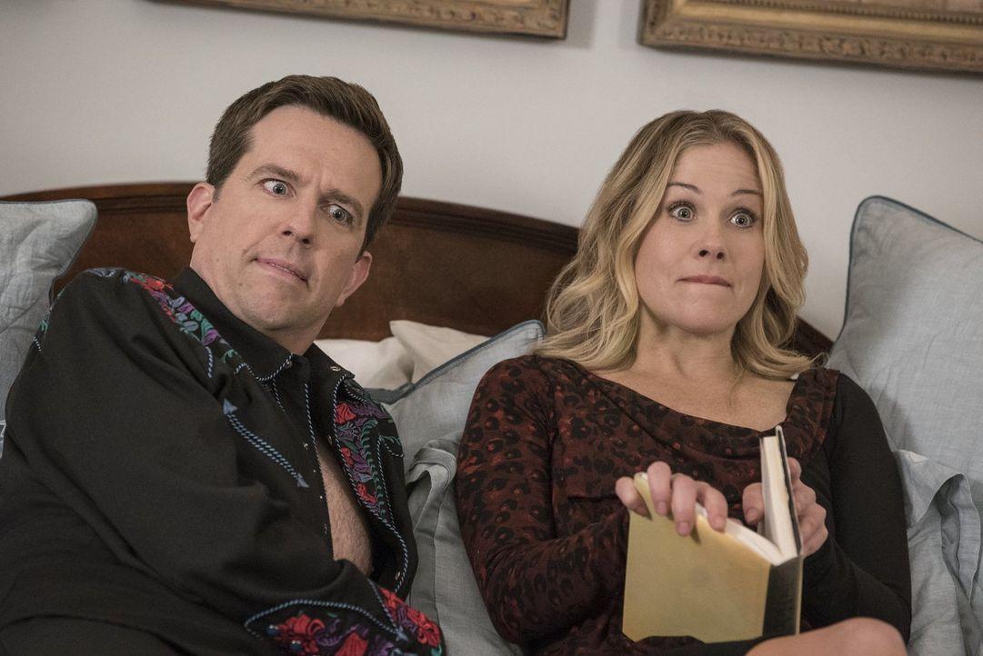 Wird der Roadtrip quer durch die USA die Beziehung zwischen Rusty (Ed Helms, l.) und Debbie (Christina Applegate, r.) wirklich verbessern oder wird... - Bildquelle: Warner Bros.
