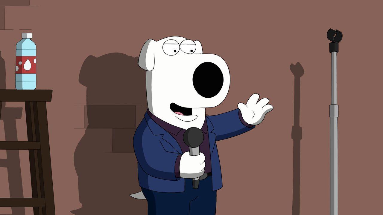Versucht sich als Stand-up-Comedian und bekommt deswegen Ärger mit Stewie: Brian ... - Bildquelle: 2015-2016 Fox and its related entities. All rights reserved.