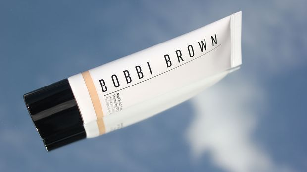 ImageProduct05_220821_Tinted-Moisturizer_Products-BobbiBrown_1200x675px