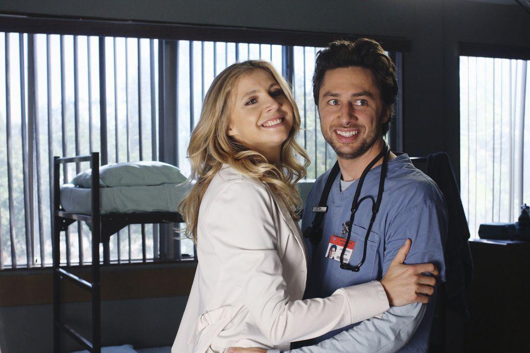 Carla macht Turk klar, dass sie gerade scharf auf ihn ist. Daraufhin stürzen sie in den Ruheraum, doch dort sind Elliot (Sarah Chalke, l.) und J.D.... - Bildquelle: Touchstone Television