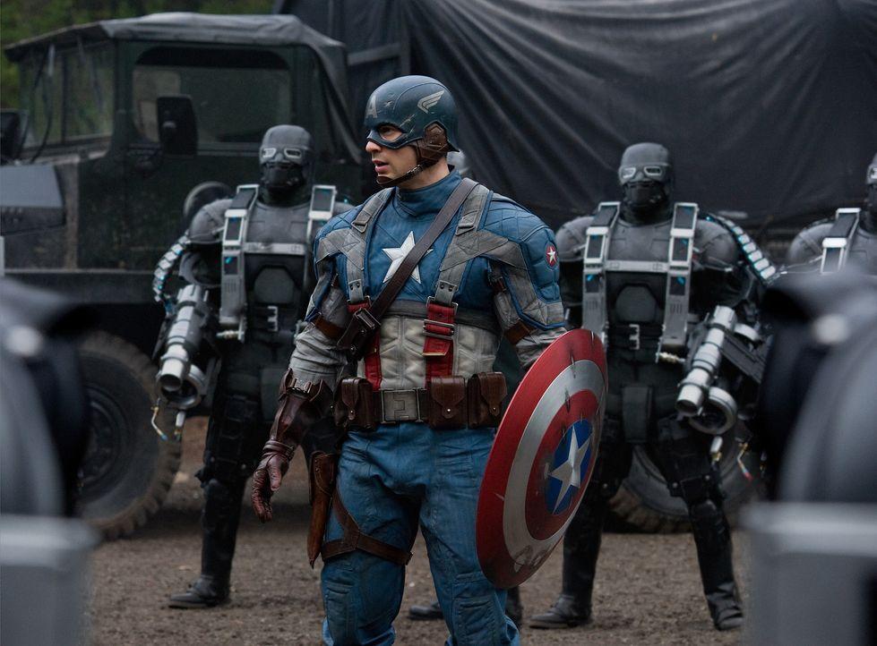 Fürchtet weder Tod noch Teufel: Captain America Steve Rogers (Chris Evans) ... - Bildquelle: TM &   2011 Marvel Entertainment, LLC & subs. All Rights Reserved.