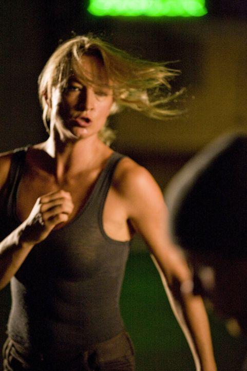 Eines Tages findet Todesengel Eve (Zoe Bell) keine Erfüllung mehr in ihrem Job. Sie will nicht nur ihren Job als Auftragskillerin hinschmeißen, so... - Bildquelle: 2009 Colton Productions, Inc. All Rights Reserved.
