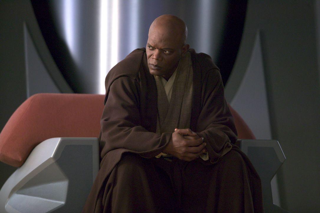 Von der Idee, den Kanzler von Anakin Skywalker beschatten zu lassen, ist Mace Windu (Samuel L. Jackson) nicht begeistert. Denn er traut dem machthun... - Bildquelle: Lucasfilm Ltd. & TM. All Rights Reserved.