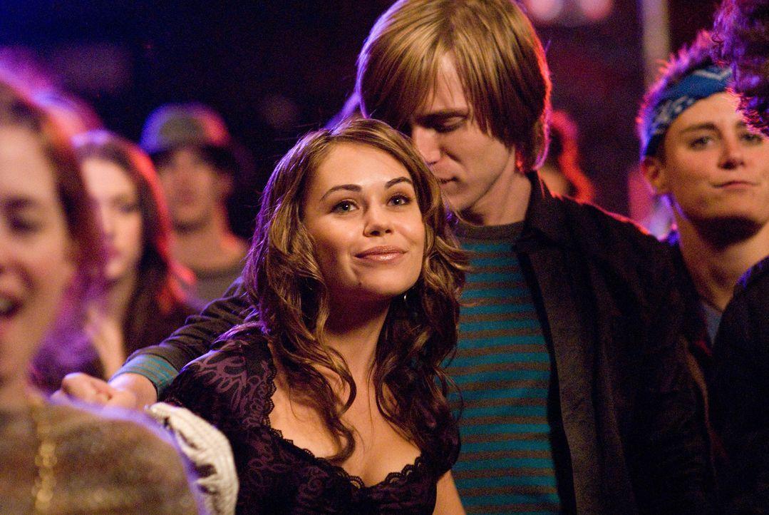 Als Tris (Alexis Dziena, M.) klar wird, dass ihr Exfreund Nick eine Neue hat, will sie ihn zurückhaben. Koste es, was es wolle ... - Bildquelle: 2008   CPT Holdings, Inc. All Rights Reserved. (Sony Pictures Television International)
