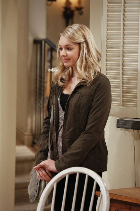 Violet (Sadie Calvano) muss Christy und Bonnie etwas Ungewöhnliches gestehen ... - Bildquelle: Warner Bros. Television