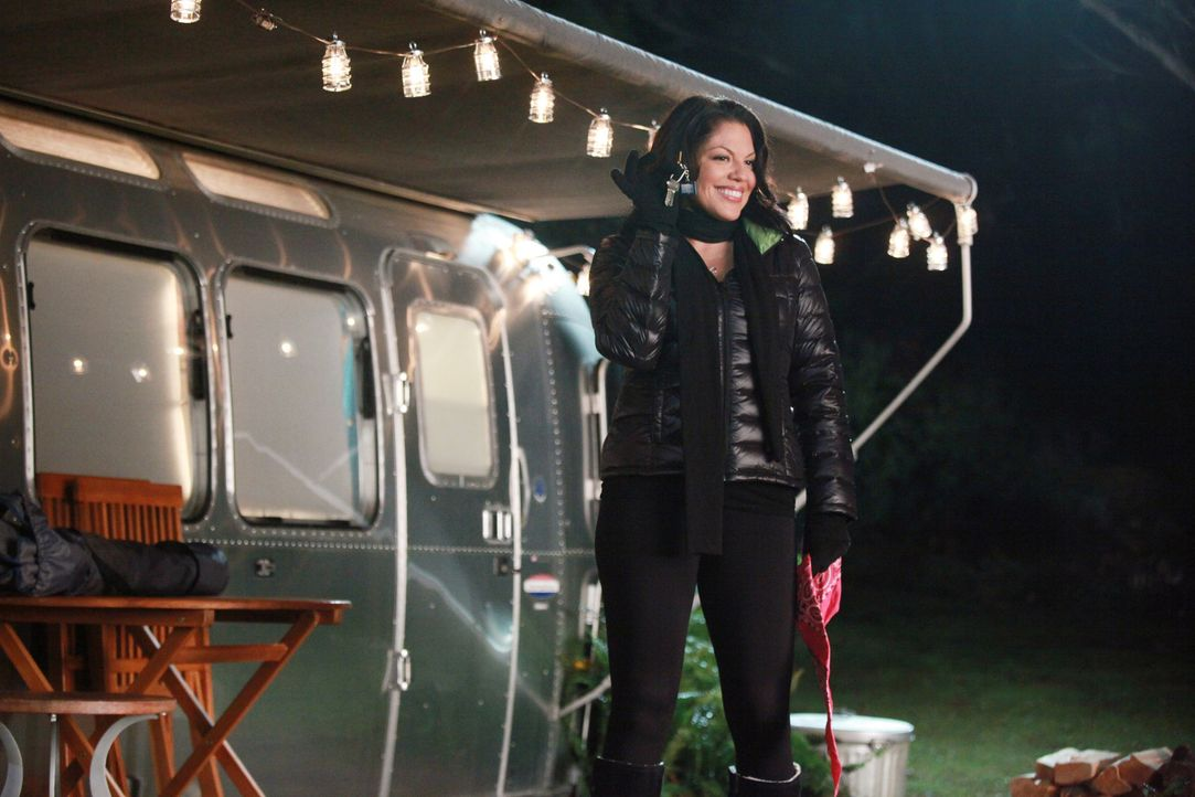 Callie (Sara Ramirez) möchte Arizona am Valentinstag mit einem romantischen Abend überraschen. Doch wird das gutgehen? - Bildquelle: ABC Studios