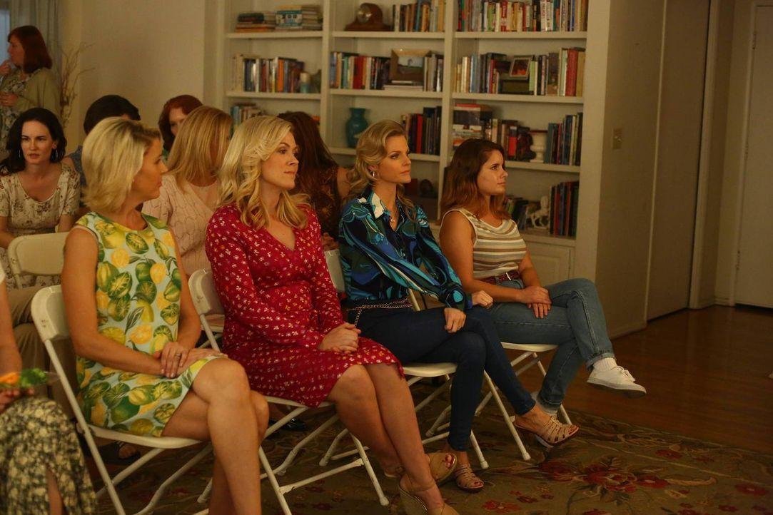Deirdre (Rachel Cannon, 2.v.l.) und Carol-Joan (Stacey Scowely, l.) ahnen nicht, dass Honey (Chelsey Crisp, 2.v.r.) und Jessica aus Langeweile Nachf... - Bildquelle: 2015-2016 American Broadcasting Companies. All rights reserved.