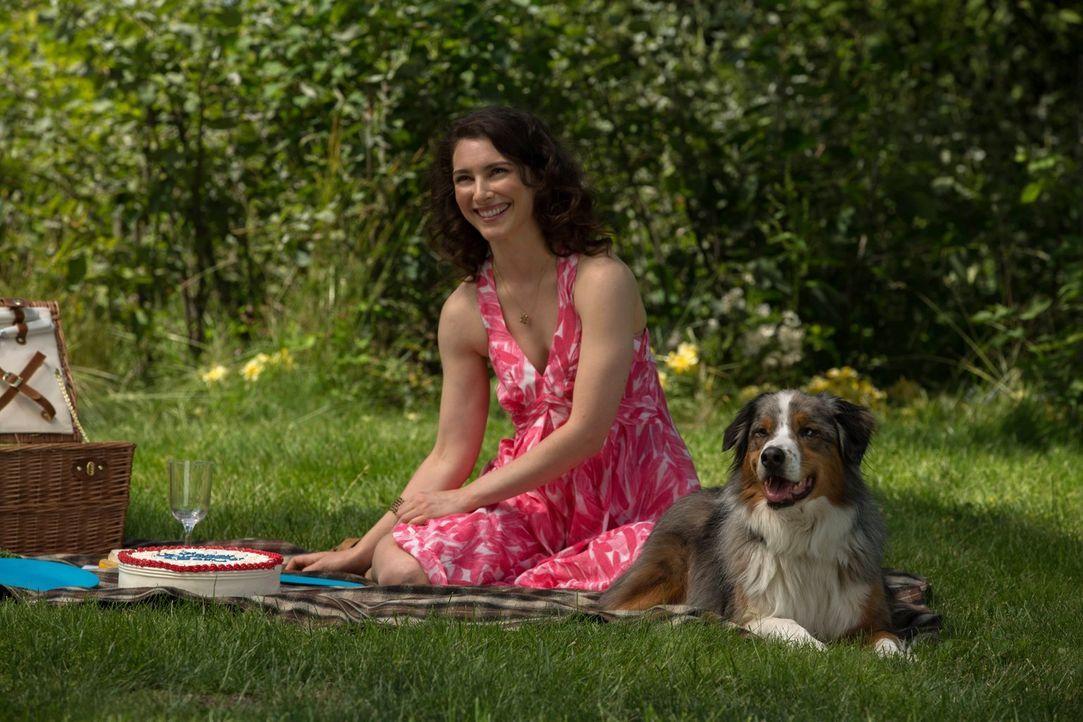 Sam erinnert sich genau an die schönen Stunden mit Amelia (Liane Balaban). Doch würde er dafür wirklich seine Berufung als Jäger aufgeben? - Bildquelle: Warner Bros. Television