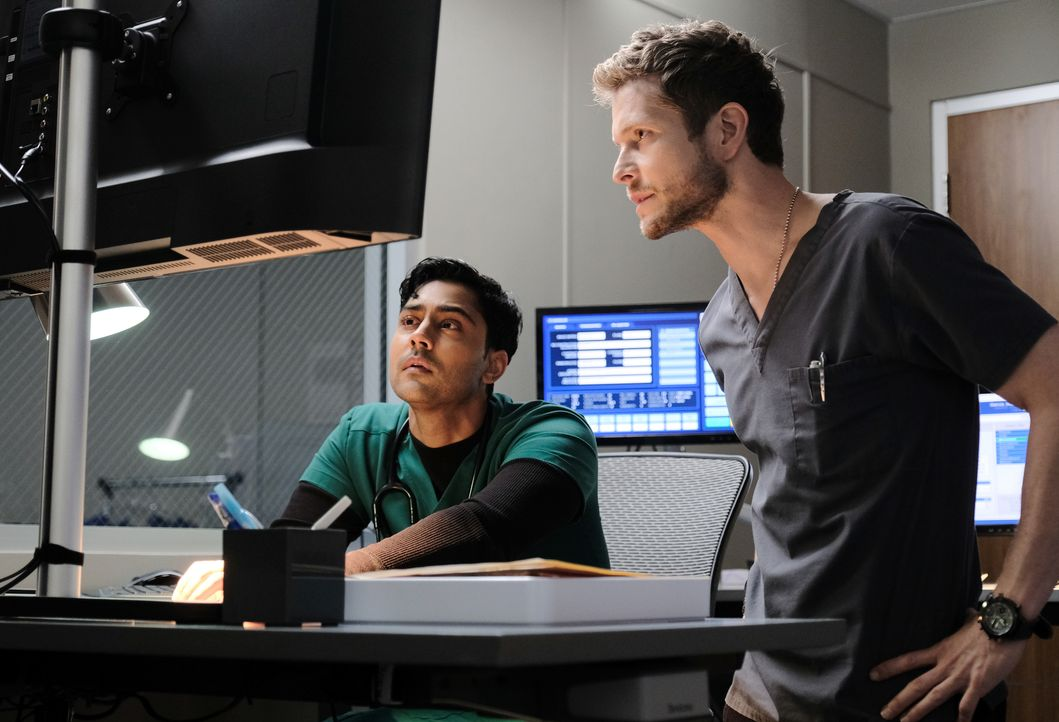 Dr. Devon Pravesh (Manish Dayal, l.); Dr. Conrad Hawkins (Matt Czuchry, r.) - Bildquelle: Guy D'Alema 2018-2019 Twentieth Century Fox Film Corporation.  All rights reserved. / Guy D'Alema