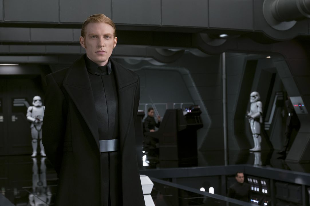 General Hux (Domhnall Gleeson) - Bildquelle: David James 2017 & TM Lucasfilm Ltd. / David James