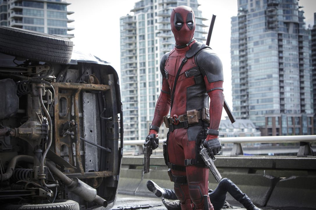 Der unkonventionelle Antiheld Deadpool ist auf Rachefeldzug: Nach einem missglückten Experiment ist er zwar vom Krebs geheilt und hat jetzt Superkrä... - Bildquelle: Joseph Lederer 2016 Twentieth Century Fox Film Corporation.  All rights reserved.  MARVEL   2016 MARVEL