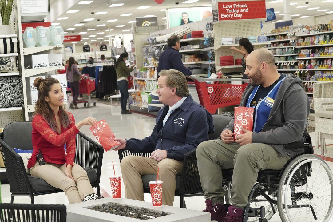 (v.l.n.r.) Cheyenne (Nichole Bloom); Glenn (Mark McKinney); Garrett (Colton Dunn) - Bildquelle: Evans Vestal Ward 2018 NBCUniversal Media, LLC / Evans Vestal Ward