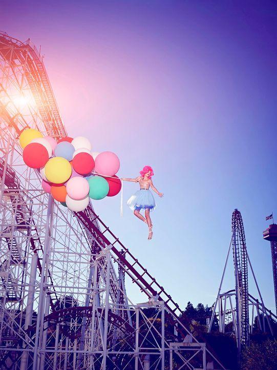 GNTM-Stf09-Epi03-BallonShooting-Stefanie-ProSieben-Brian-Bowen-Smith