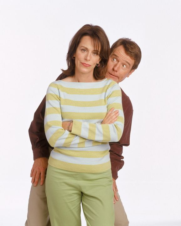 Lois (Jane Kaczmarek, vorne) und Hal (Bryan Cranston, hinten) planen einen Urlaub mit Stevies Familien. - Bildquelle: TM +   Twentieth Century Fox Film Corporation. All Rights Reserved.