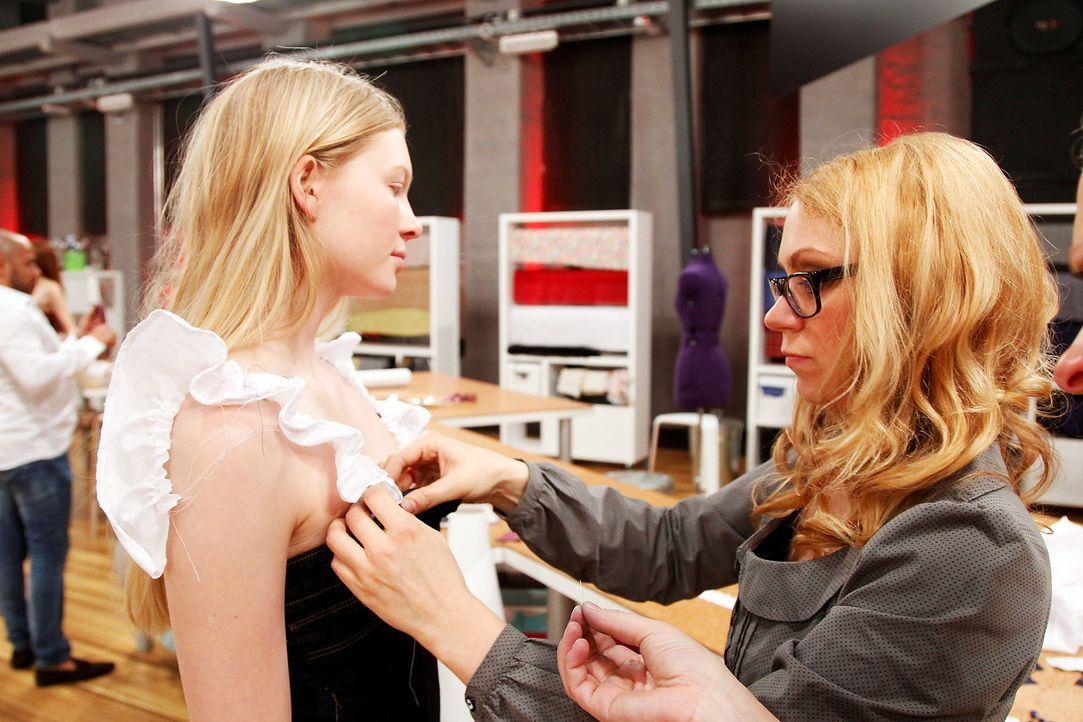 Fashion-Hero-Epi02-Fashionshowdown-09-ProSieben-Richard-Huebner - Bildquelle: ProSieben / Richard Huebner