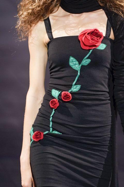 Romantische Looks bei Dolce& Gabbana und Rodarte - Bildquelle: picture alliance/ Photoshot