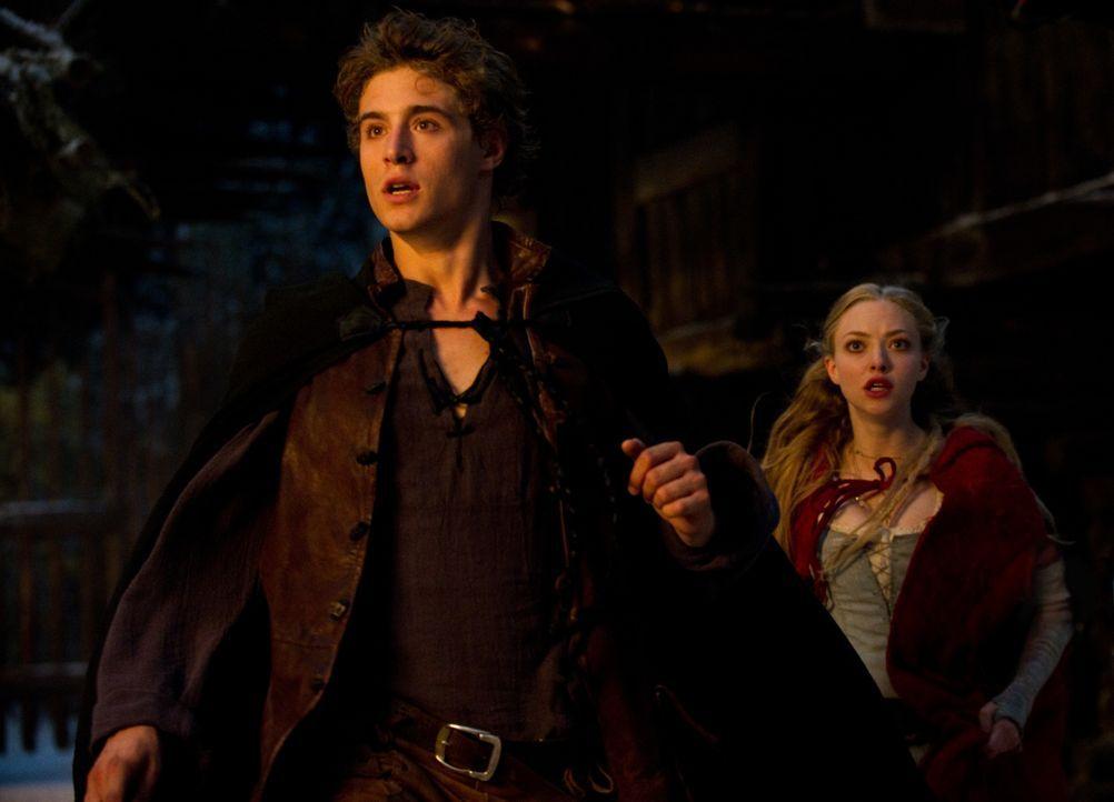 Henry (Max Irons, l.); Valerie (Amanda Seyfried, r.) - Bildquelle: Warner Bros.