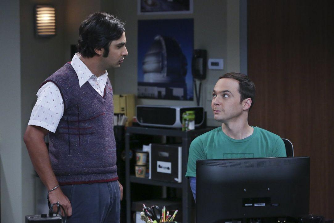 Während Bernadette und Howard ihren Freund Stuart endlich zum Ausziehen bewegen konnten, ihren Hausgast jetzt aber doch etwas vermissen, sind Raj (K... - Bildquelle: 2015 Warner Brothers