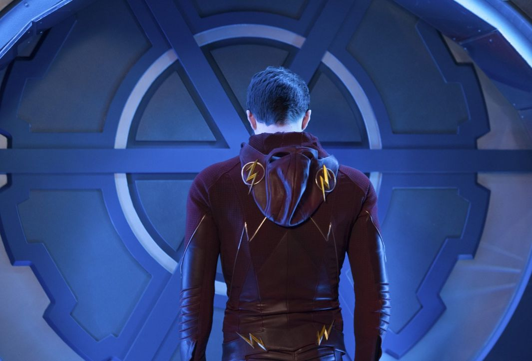 Plötzlich hat Barry alias The Flash (Grant Gustin) die Zukunft, die Gegenwart und die Vergangenheit in seinen Händen ... - Bildquelle: Warner Brothers.