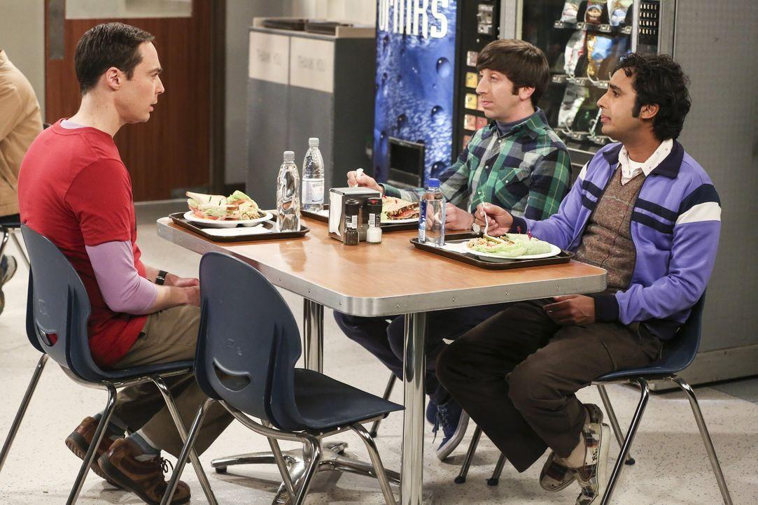 Können und wollen Howard (Simon Helberg, M.) und Raj (Kunal Nayyar, r.) Sheldon (Jim Parsons, l.) dabei unterstützen, bei Wil einen Auftritt in der... - Bildquelle: Warner Bros. Television