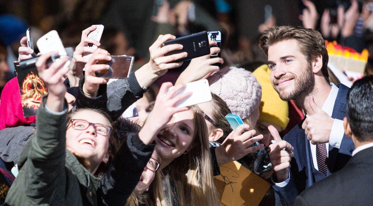 Premiere-Mockingjay-Liam-Hemsworth-15-11-04-dpa - Bildquelle: dpa
