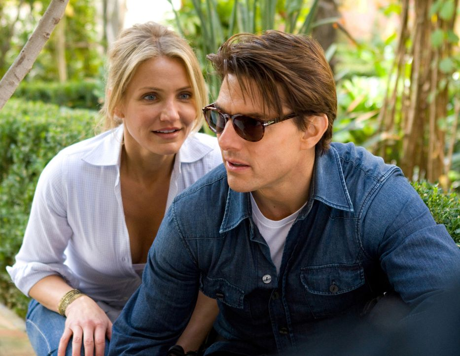 Müssen einen skrupellosen Waffenhändler und einen übergelaufenen Agenten schachmatt setzen: June (Cameron Diaz, l.) und Roy (Tom Cruise, r.) in e... - Bildquelle: Frank Masi TM and   2010 Twentieth Century Fox and Regency Enterprises.  All rights reserved.  Not for sale or duplication.