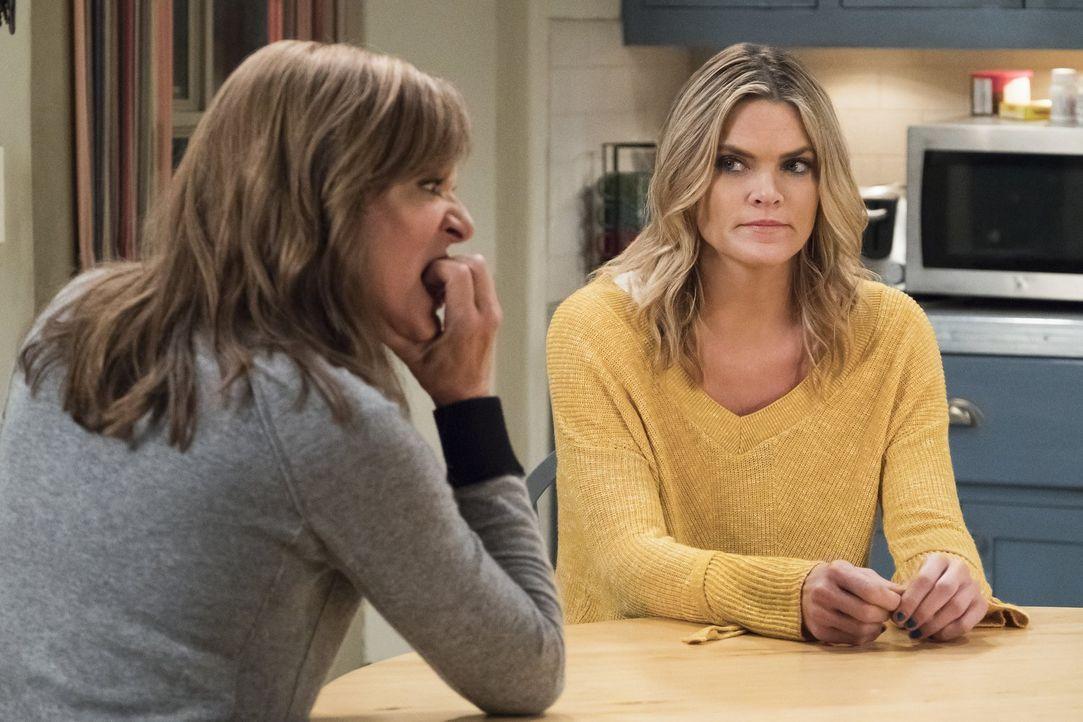 Bonnie (Allison Janney, l.) versucht, Natasha (Missi Pyle, r.) beizustehen, doch das ist gar nicht so einfach ... - Bildquelle: 2017 Warner Bros.