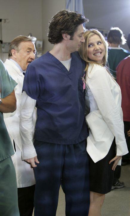 Im Sacred Heart Hospital wird getanzt: J.D. (Zach Braff, M.) und Elliot (Sarah Chalke, l.) ... - Bildquelle: Touchstone Television