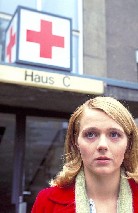 Die Psychotherapeutin Sarah (Laura Schuhrk) ist Daniel seit dem Verschwinden seiner Frau eine gute Freundin und Stütze. Doch sie fühlt sich immer... - Bildquelle: ProSieben/Rabold