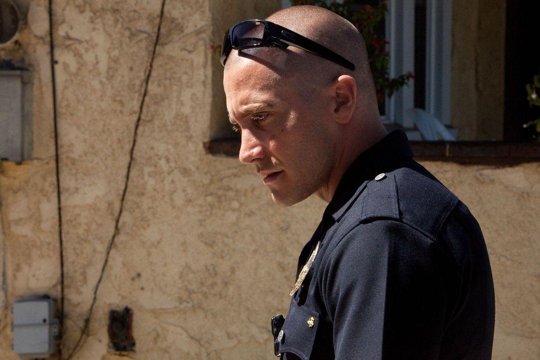 Als Officer Brian Taylor (Jake Gyllenhaal) und sein Partner eher zufällig mit der Drogenmafia aneinandergeraten, hängt ihr Leben an einem seidenen F... - Bildquelle: Scott Garfield 2011 Sole Productions, LLC. All rights reserved.