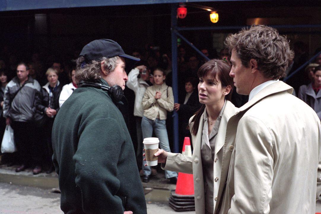 Dreharbeiten mit Hugh Grant, r. und Sandra Bullock, M. - Bildquelle: Warner Bros.
