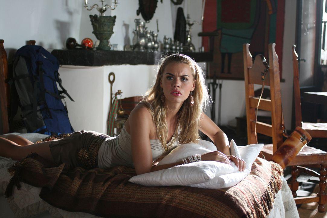 Eines Tages begeben sich die Zooranger auf nach Südamerika. Schon bald geraten Bionda (Nicolette van Dam) und ihre Freunde in ein gefährliches Abent...
