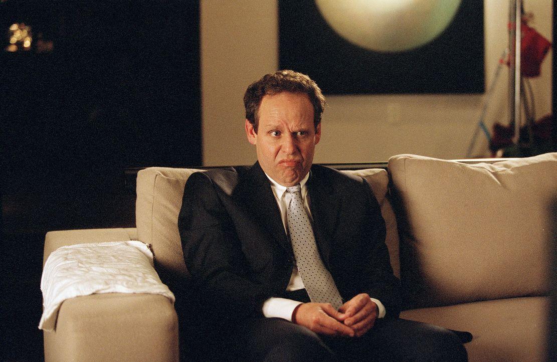 Der angehende Schriftsteller Quincy ist von seinem neuen Chef (Peter MacNicol) so genervt, dass er kurzerhand die Kündigung einreicht, um ein Buch... - Bildquelle: 2006 Sony Pictures Television International.