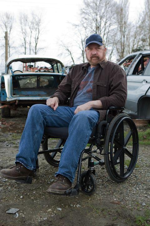 Crowley bietet an, den Aufenthaltsort des Todes im Tausch gegen Bobbys (Jim Beaver) Seele zu offenbaren ... - Bildquelle: Warner Brothers