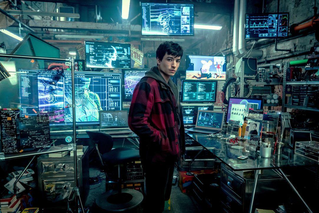 Barry Allen / The Flash (Ezra Miller) - Bildquelle: Warner Bros.