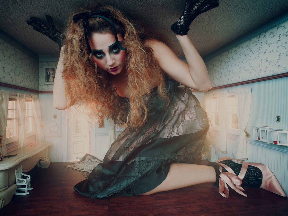 AliceWonderland-Carina_TEASER_ - Bildquelle: ProSieben/Kimberley Gordon