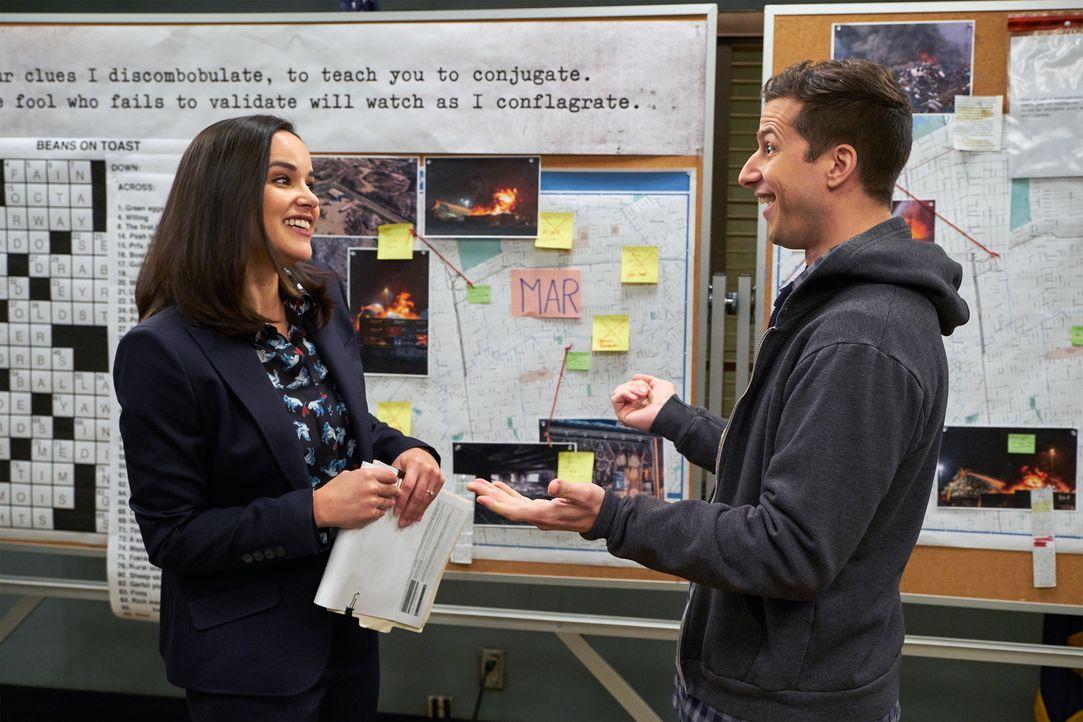 Amy Santiago (Melissa Fumero, l.); Jake Peralta (Andy Samberg, r.) - Bildquelle: John P. Fleenor 2018 UNIVERSAL TELEVISON LLC. All rights reserved. / John P. Fleenor