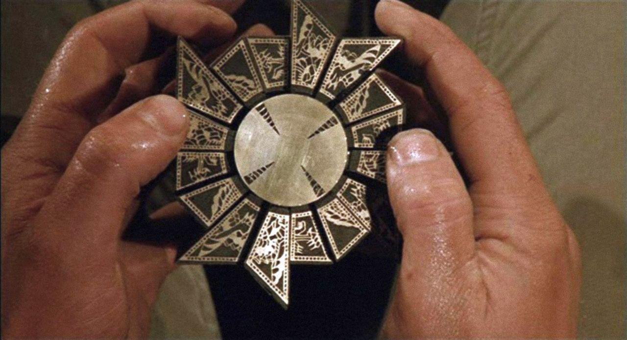 Noch ahnt Trevor nicht, dass der Metallwürfel, den er Kristy geschenkt hat, Pinhead und die Cenobiten auf die Spur seiner Frau gebracht haben ... - Bildquelle: Miramax Films