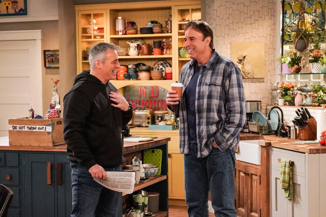 Adam Burns (Matt LeBlanc, l.); Don Burns (Kevin Nealon, r.) - Bildquelle: Monty Brinton 2019 CBS Broadcasting Inc. All Rights Reserved. / Monty Brinton