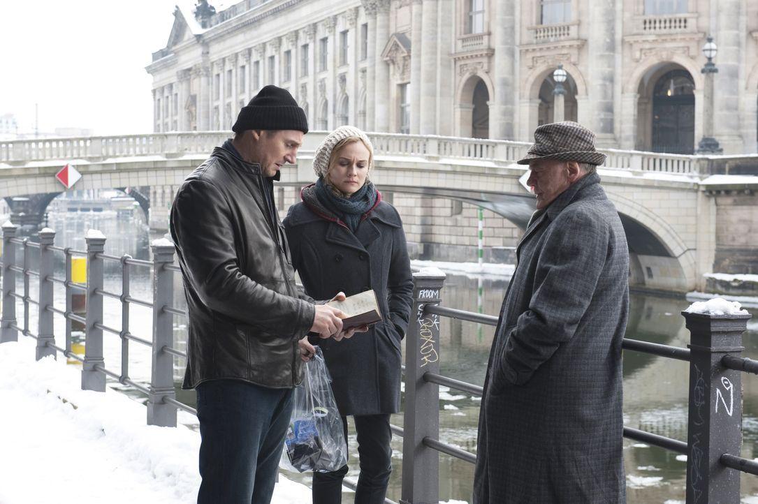 (v.l.n.r.) Dr. Martin Harris (Liam Neeson); Gina (Diane Kruger); Ernst Jürgen (Bruno Ganz) - Bildquelle: Jay Maidment 2011 DARK CASTLE HOLDINGS, LLC/STUDIOCANAL S.A. / Jay Maidment