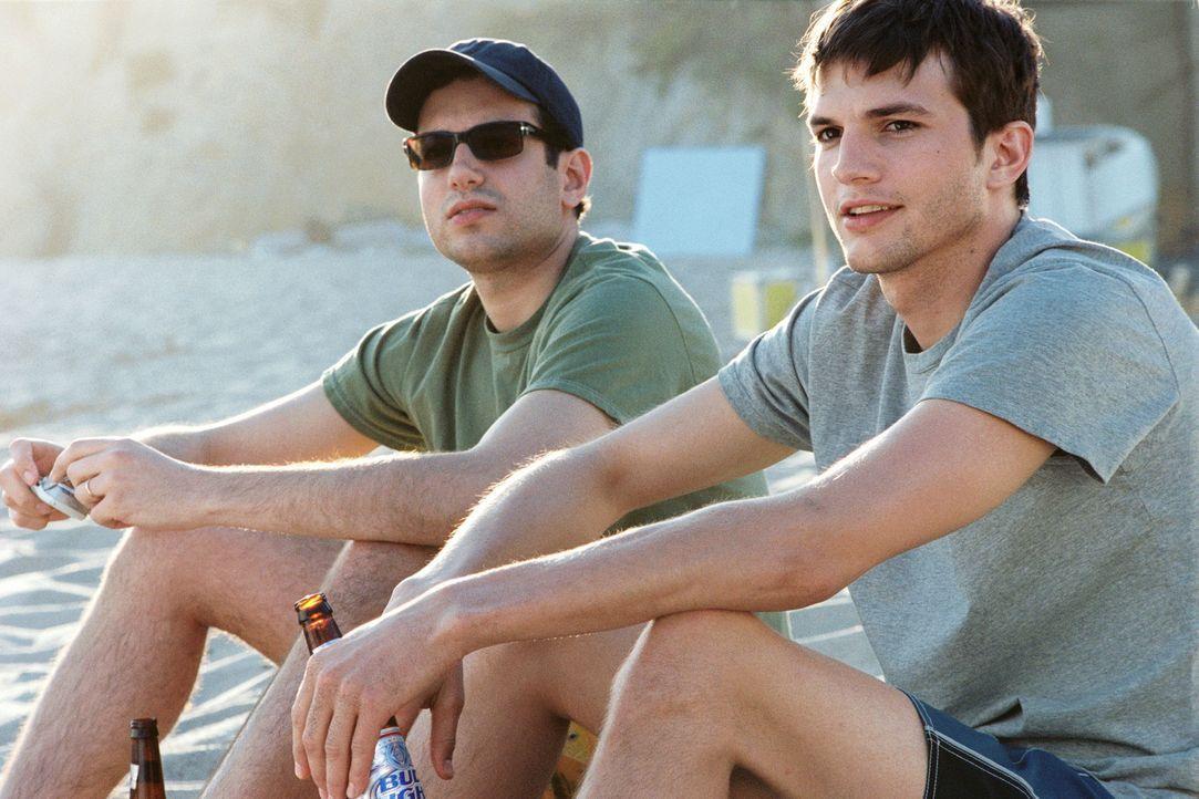 Die beiden Brüder Oliver (Ashton Kutcher, r.) und Graham Martin (Ty Giordano, l.) führen ein eher geregeltes Leben. Eines Tages jedoch lernt Olive... - Bildquelle: Touchstone Pictures. All rights reserved