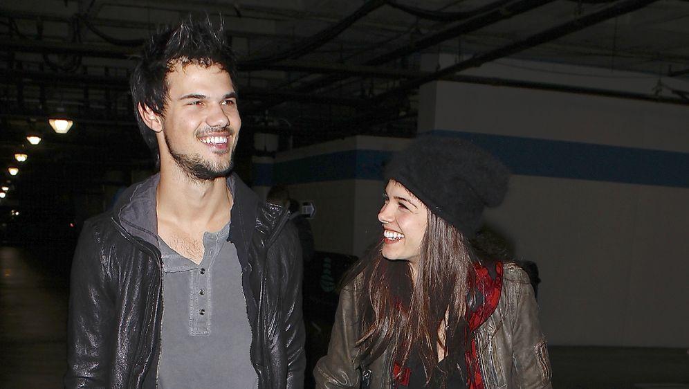 Twilight Star Taylor Lautner Mit Freundin Schwer Verliebt In Seine