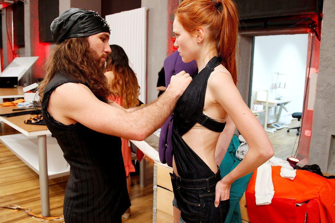 Fashion-Hero-Epi02-Fashionshowdown-13-ProSieben-Richard-Huebner - Bildquelle: ProSieben / Richard Huebner